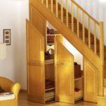 Comment installer un tapis dans son escalier ?