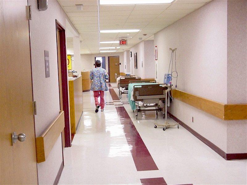 Surveiller les hôpitaux, cliniques et maisons de retraites