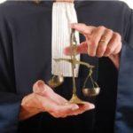 Faire appel à un avocat spécialisé dans le droit du travail