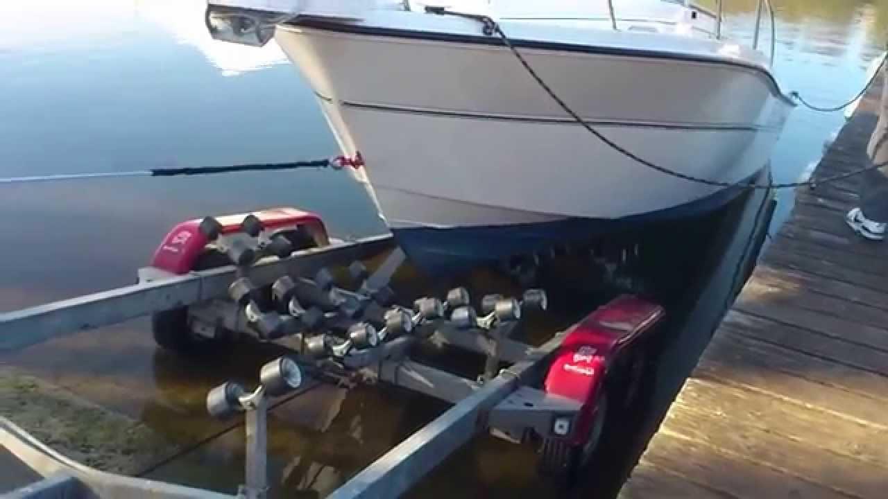 Comment entretenir les essieux de ma remorque bateau ?