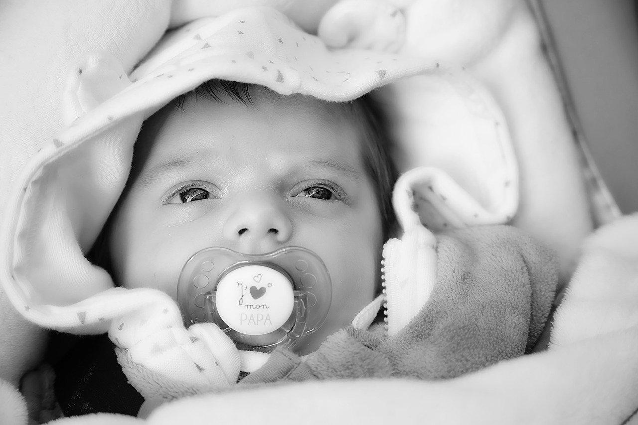Comment fabriquer un objet personnalisé pour un bébé ?